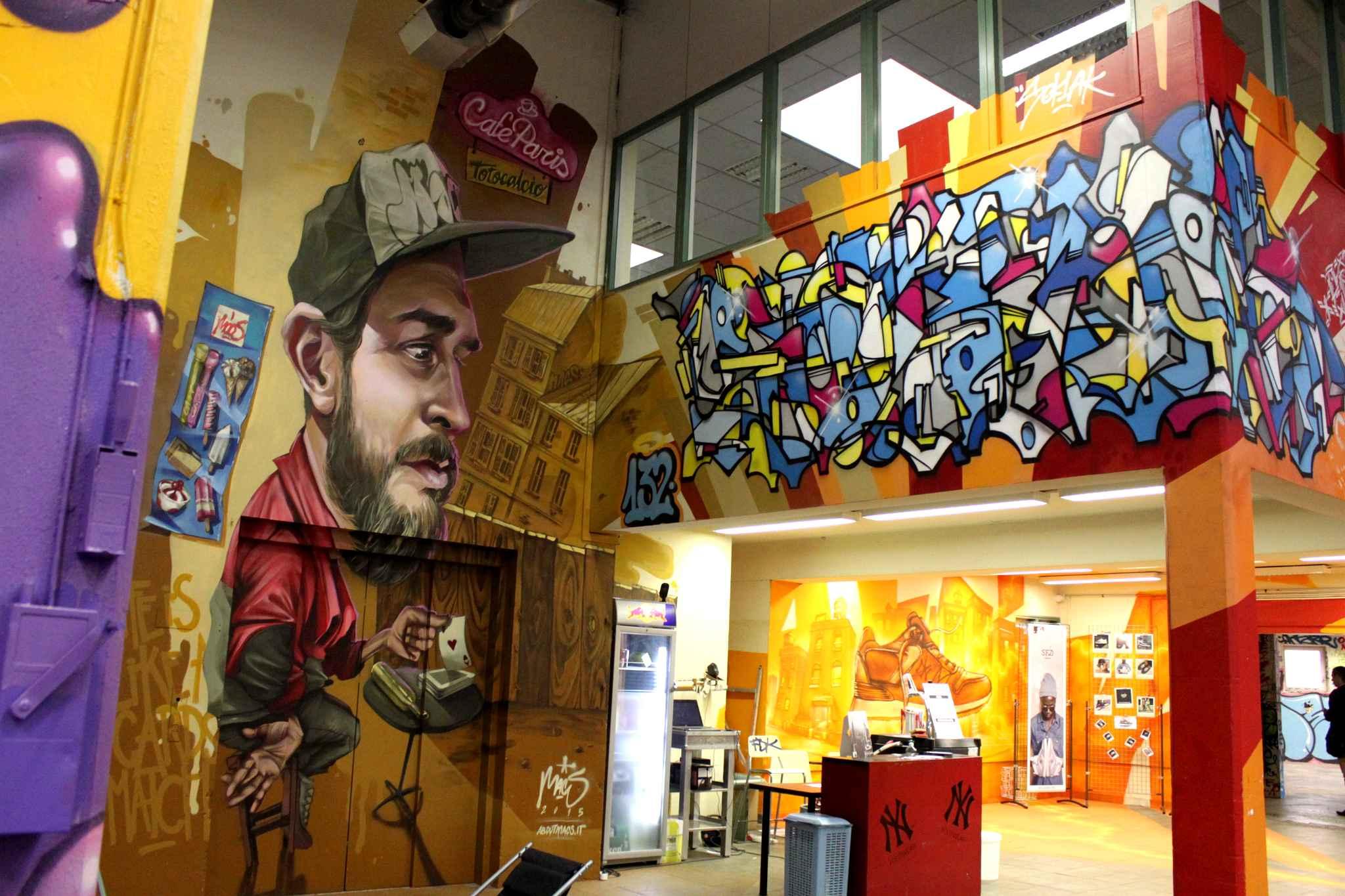 exposition-face-mur